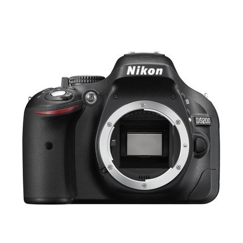 מצלמת רפלקס NIKON D5200 עם עדשת SIGMA 18-250mm