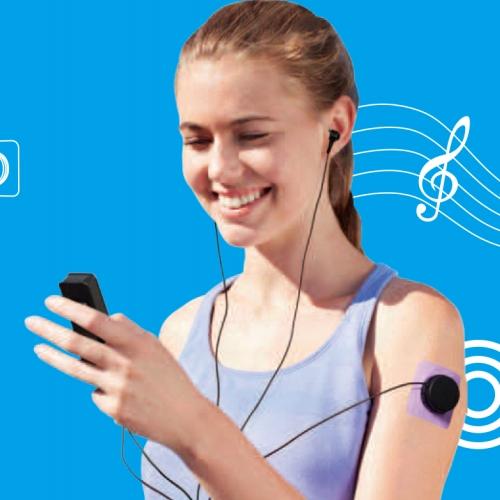 דיבורית בלוטוס המשלבת גם נגן מוזיקה וגם עיסוי