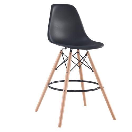 כסא בר מעוצב עם רגלי עץ מלא KARE