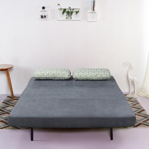 ספה מעוצבת מרופדת בד ונפתחת למיטה זוגית