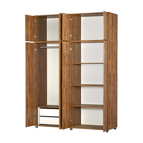 ארון בגדים קלאסי בעל 4 דלתות עם תא עליון נוסף.