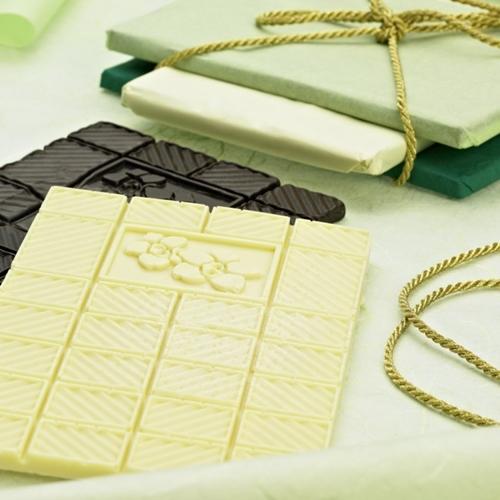תבנית סיליקון להכנת חפיסת שוקולד בדוגמת פרח LURCH
