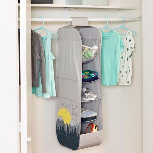 מתקן אחסון לבגדים ומשחקים בתלייה בעיצוב חדשני