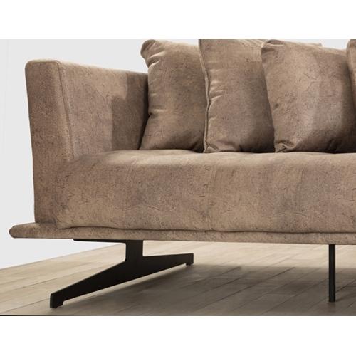 מערכת ישיבה מרהיבה בעיצוב מודרני תוצרת LEONARDO