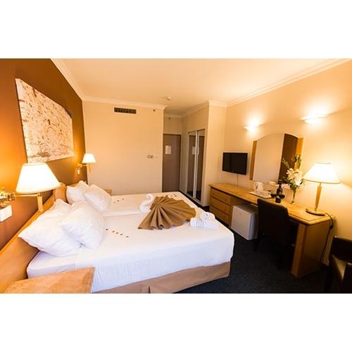 """4 לילות אמצ""""ש זוגי במלון ספא בירושלים בחדר משודרג"""