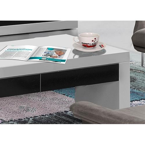 שולחן לסלון במראה יוקרתי מאוד בצבע לבן