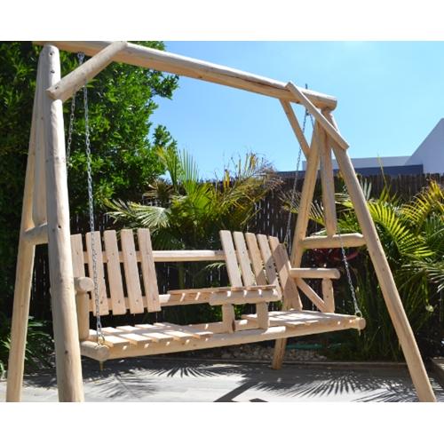 נדנדת עץ מאסיבית לגינה 3 מושבים ושולחן מרכזי