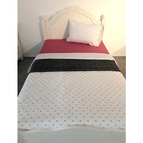 מיטה וחצי מפנקת בעיצוב מרשים עשויה עץ מלא בלבד!