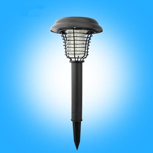 מנורת גינה סולארית עם תאורה עדינה וקטלן מעופפים