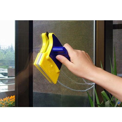מגב ניקוי לחלונות דו צדדי במחיר מצחיק