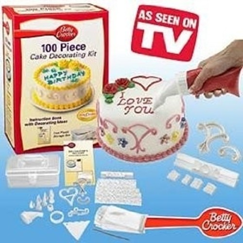 Betty Crocker 100 Piece Cake Decorating Kit