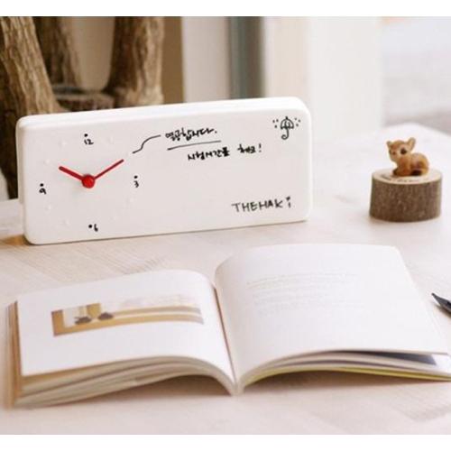 שעון מעורר עם לוח מחיק לכתיבת הודעות