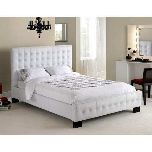 מיטת זוגית מעור אמיתי מבית GAROX דגם CHRISTINA