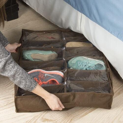 ארגונית נעליים עם מחיצות קשיחות