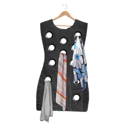מתלה צעיפים מדליק בצורת שמלה!