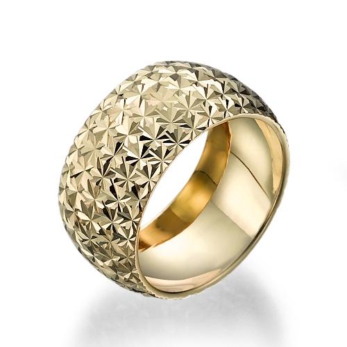 טבעת נישואים זהב 14K מעוצבת בחריטות לייזר