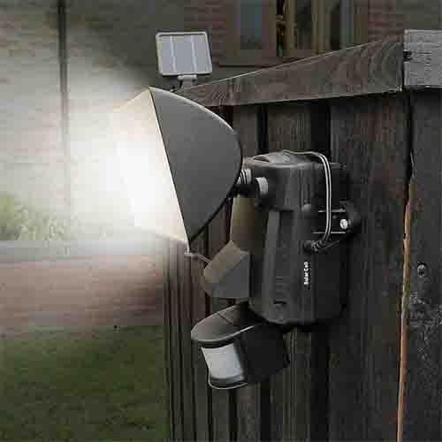 פרוז'קטור סולארי חזק ללא צורך בחיבור חשמלי