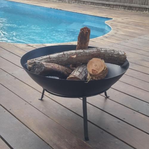 קערת מדורה ממתכת לחימום ובישול בגינה או במרפסת