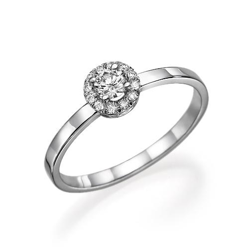 טבעת עדינה משובצת ביהלום