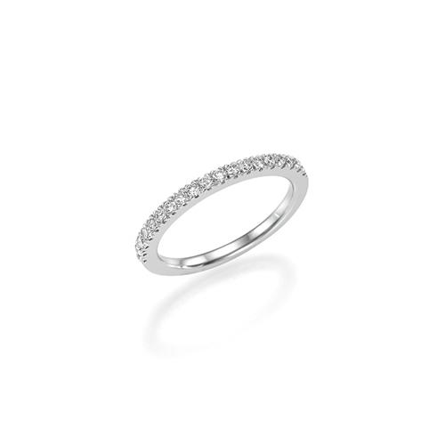 טבעת זהב 14 קראט משובצת שורה של יהלומים לבנים
