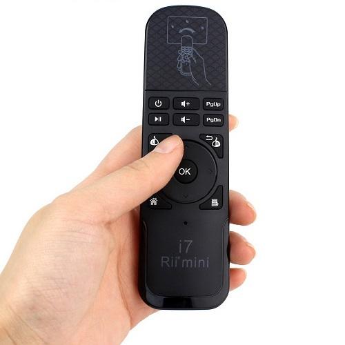 שלט רחוק Air Mouse בעל פונקציית שליטה בעכבר