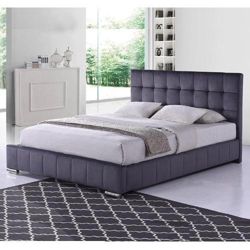 מיטה זוגית מרופדת בד קטיפתי