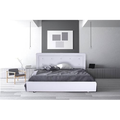 מיטה מרופדת בעיצוב חדשני