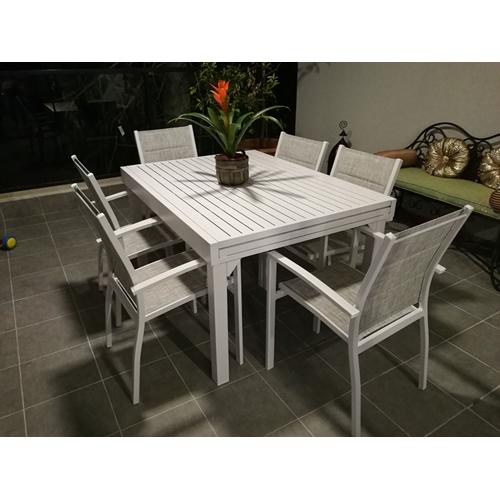 שולחן נפתח מאלומיניום, המתאים לשימוש חוץ ופנים