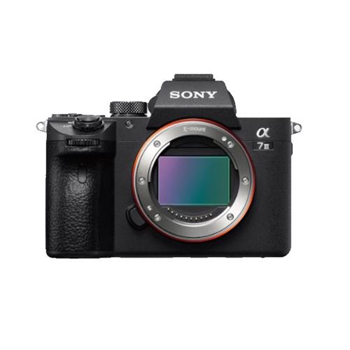 מצלמת הדגל Sony Alpha A7 III MARK 3 דגם ILC-E7M3B