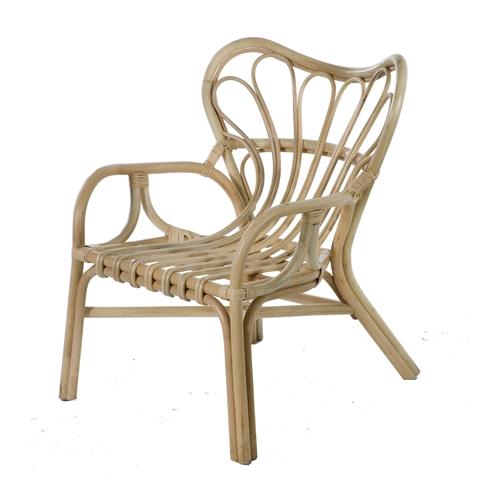 כורסא מעוצבת במראה כפרי המוסיפה טאץ' מיוחד ביתילי