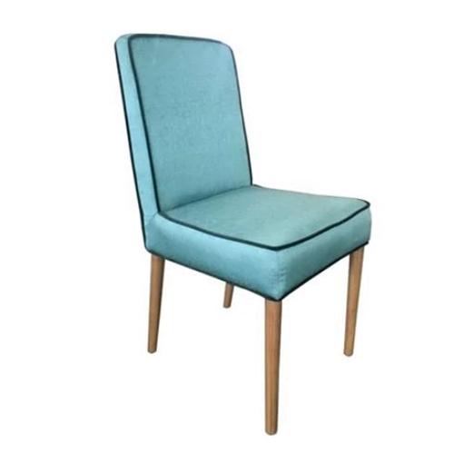 סט 4 כיסאות לפינת אוכל בריפוד בד ובעיצוב ייחודי