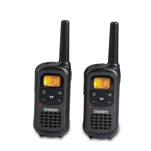 """זוג מכשירי קשר 8 ערוצים מגיע עד 8 ק""""מ מבית Uniden"""