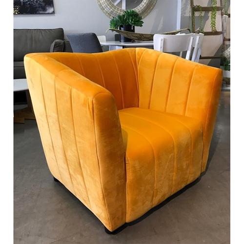 כורסא מעוצבת עם ריפוד בד קטיפה HOME DECOR דגם דנה