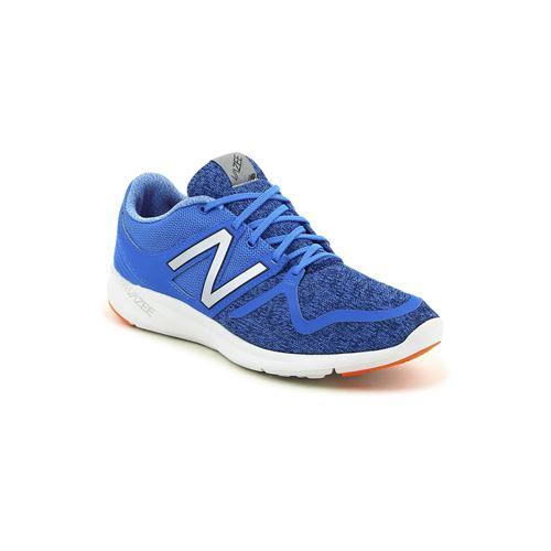 נעלי ריצה כחולות במראה סרוג