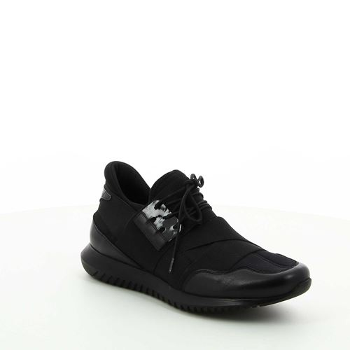 נעלי סניקרס עם רצועה אלסטית