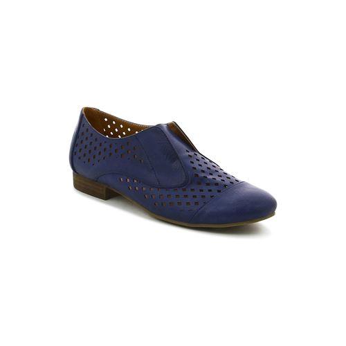 נעל מחוררות בסגנון אוקספורד