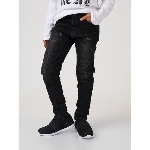 מכנס ג'ינס טלאים