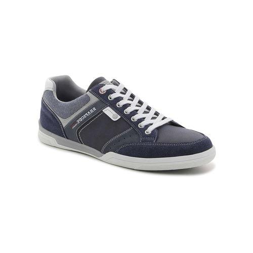 נעלי סניקרס אורבניות