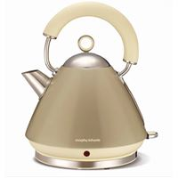 קומקום פירמידה morphy richards בנפח 1.5 ליטר