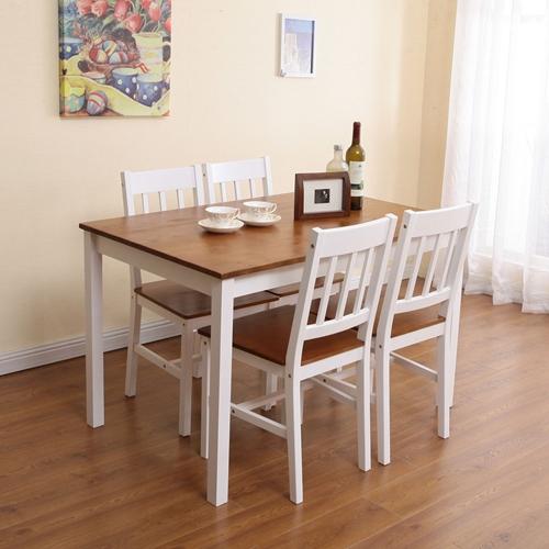 פינת אוכל מעץ מלא, הכוללת שולחן עם 4 כיסאות